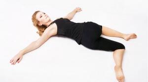 Mal di schiena e lombalgia: le migliori posizioni yoga